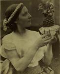 Julia Margaret Cameron, Junge Frau mit Ananas, um 1867