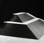 Jan Paul Evers, Place de Pyramide, 2009, Silbergelatine